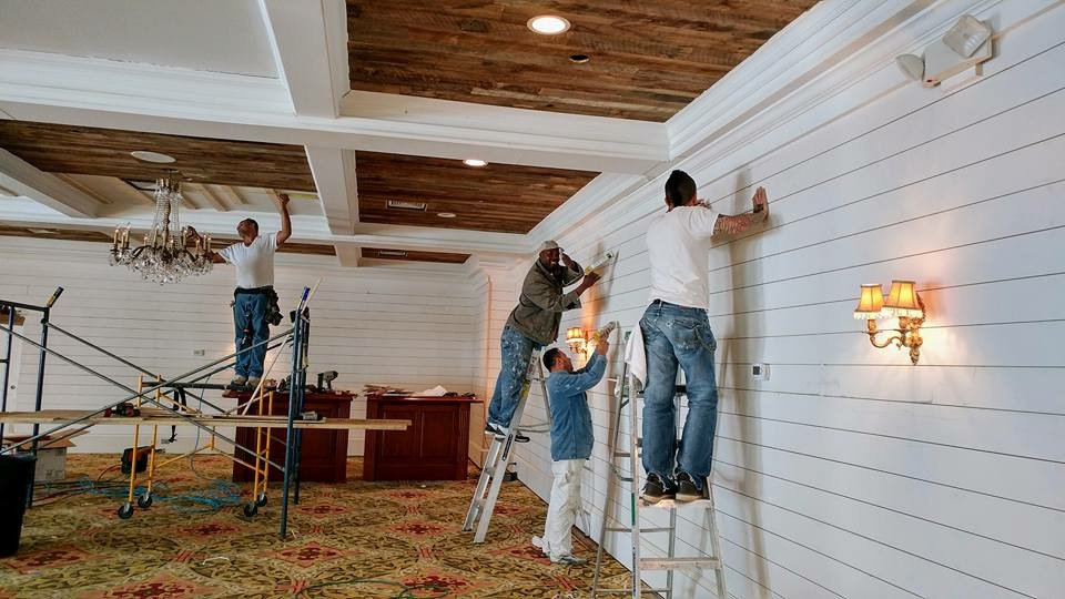 Whiskey Springs Oak Flooring 4″-8″ and Brown Barn Wood Siding