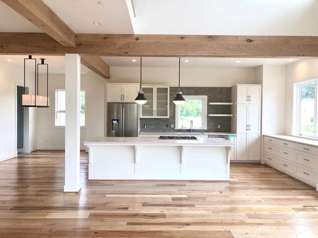 Berkshire Blend 3″-6″ and Vintage Distressed Oak Box Beams